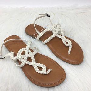 Universal Thread Jana Ankle strap white sandal